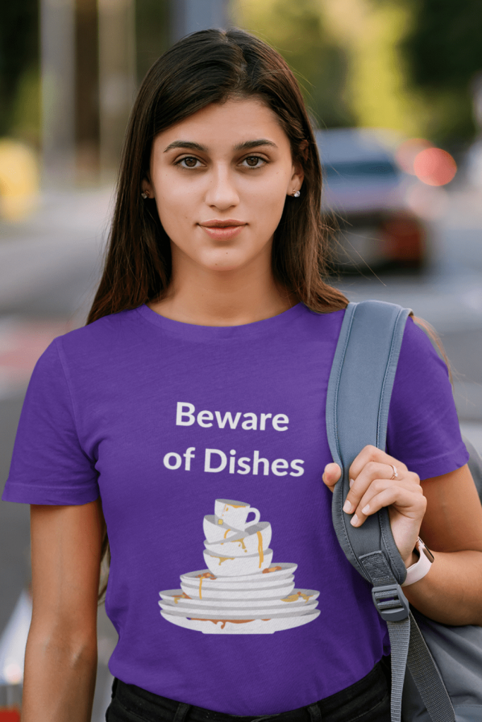 Beware of Dishes Savvy Cleaner Funny Cleaning Shirts Women's Boyfriend T-Shirt